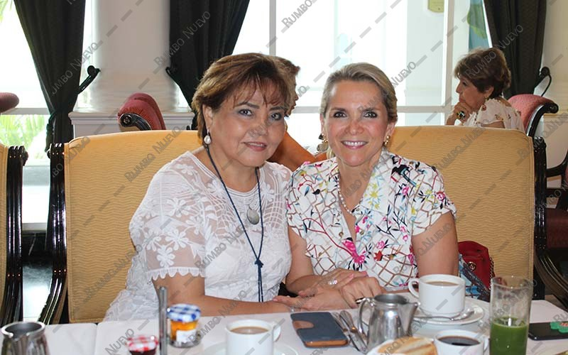 26 Mery Canto y Paty Chamelis (1)